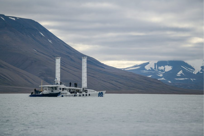 Energy Observer has arrived on the island of Spitsbergen