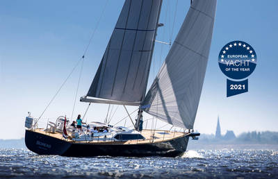 Contest 55CS wins European Yacht of the Year 2021 - Luxury Cruiser